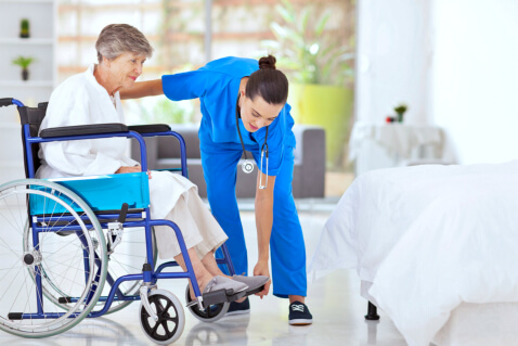 looking-after-a-family-member-who-needs-mobility-care-3